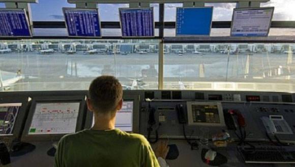 El paro provocará suspensiones y demoras de vuelos nacionales e internacionales. Foto: TelesurTV.