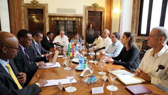 Conversaciones oficiales entre canciller cubano y canciller de Etiopía. Foto: Twitter Cubaminrex.