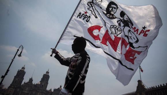 El magisterio continúa con su rechazo a la reforma educativa. | Foto: losangelespress.org
