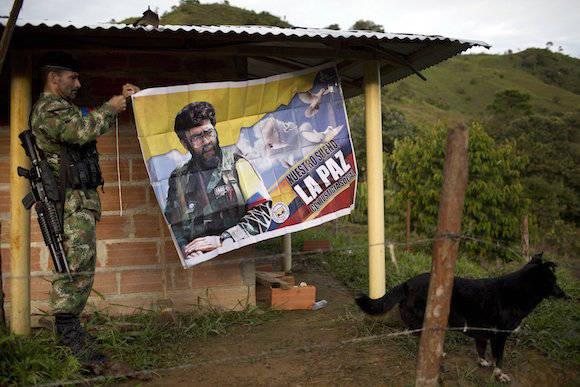 Si la paz negociada entre el gobierno colombiano y las FARC se concreta, ello se traducirá en el fin del sufrimiento de cientos de miles de personas y en nuevas posibilidades de desarrollo. Por lo demás, Colombia habrá dado a América Latina y al mundo un gran ejemplo de civilidad y de tolerancia.  Foto: Rodrigo Abd/ AP