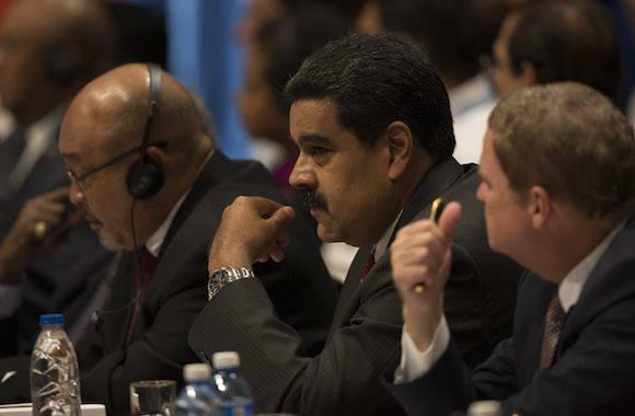 Cumbre caribeña respalda diálogo del gobierno venezolano con la oposición