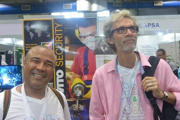 Rubén Darío Salazar y Senén Calero, dos de los hacedores del espectáculo con que se lanzó la marca. Foto: Michel Contreras/Cubadebate.
