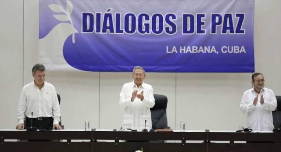Acuerdo en La Habana. Foto: Ramón Espinosa/ AP
