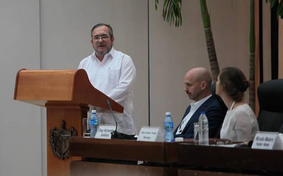 Timoleón Jiménez, jefe del Estado Mayor Central de las FARC-EP, en la Ceremonia de Firma de Acuerdos sobre Cese al Fuego y de Hostilidades Bilateral y Definitivo, Dejación de las Armas y Garantías de Seguridad entre el Gobierno de Colombia y las FARC-EP. Foto: Ladyrene Pérez/ Cubadebate