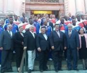 El equipo Cuba de Béisbol que competirá en la Liga Can-Am es recibido en la Alcaldía de la ciudad de Montreal. Foto: Cuenta de Facebook de Mirta Crespo, Representante de Cuba en la OACI