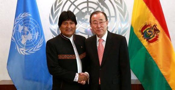 El presidente de Bolivia, Evo Morales (izq.) junto al secretario general de la ONU, Ban Ki-moon. Foto. Archivo.