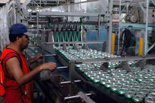La cerveza cubana no satisface la elevada demanda que tiene. Foto; Radio Rebelde digital