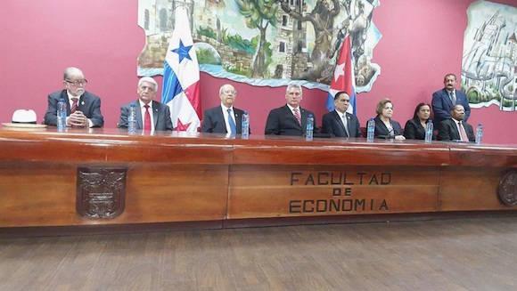 Como un hecho significativo calificó hoy aquí el primer vicepresidente de Cuba Miguel Díaz-Canel, la entrega del título Honoris Causa de la Universidad de Panamá al presidente cubano Raúl Castro Ruz.