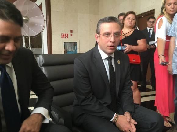 Gobernador de Puerto Rico confirma que sostuvo encuentro con Raúl Castro