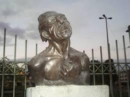 Escultura al Indio Hatuey en Quito - Ecuador, de la artista Thelvia Marín