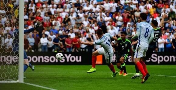 Inglaterra derrota 2-1 a Gales en la Eurocopa de fútbol