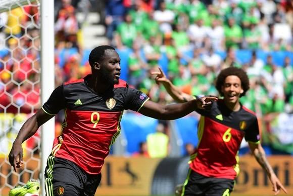 Los goles de Bélgica llegaron en el segundo tiempo. Logró su primera victoria en la Eurocopa 2016