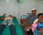 Lesionados reciben atención médica en el Hospital Celia Sánchez, de Manzanillo. Foto: La Demajagua