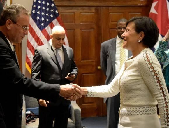 La Secretaria de Comercio de EEUU Penny Pritzker sostuvo encuentro con el Minisro cubano de Agricultura en Washington, 3 de junio de 2016. Foto: Cuenta de Twitter de la Secretaria de Comercio de EEUU