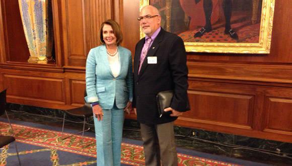 Presidente del INDER, Eduardo Becali, se reunió con la congresista estadounidense, Nancy Pelosi. Foto: Twitter de José Ramón Cabañas.