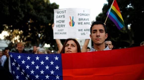Acto en recuerdo de las víctimas del atentado en la ciudad de Orlando. Foto: Reuters.