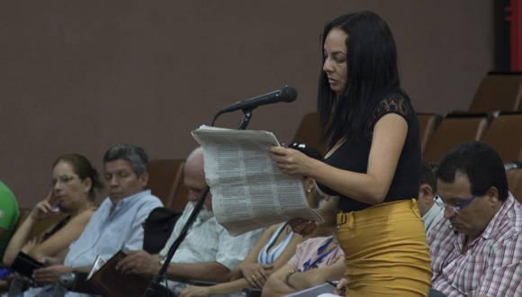 Cerca de 100 militantes del PCC y la UJC, científicos, cubanos todos, dieron la voz de arrancada de un proceso que se extenderá hasta el próximo 20 de septiembre. Foto: Ismael Francisco/ Cubadebate.