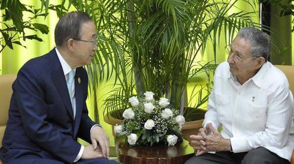 Raúl y Ban Ki-moon este jueves en La Habana. Foto: Estudios Revolución