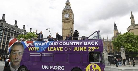 Un autobús en apoyo a la opción de que Reino Unido abandone la UE. Foto: REUTERS.