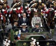 El presidente François Hollande en el desfile. Foto: Reuters.