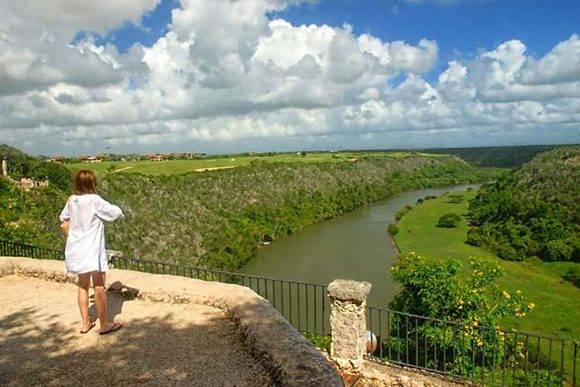 Río Chavón, del que toma el nombre la villa. Foto: Juan Pablo Carreras/ACN
