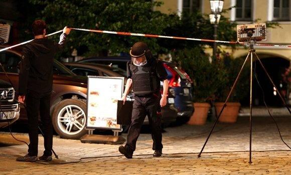 Un atentado suicida dejó 12 heridos en un restaurant en Alemania, el cuarto hecho violento en apenas una semana. Foto: M. Rehle/ Reuters.
