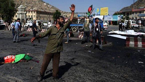 El atentado en la capital afgana dejó ocho decenas de fallecidos. Foto: AFP/ Wakil Kohsar.