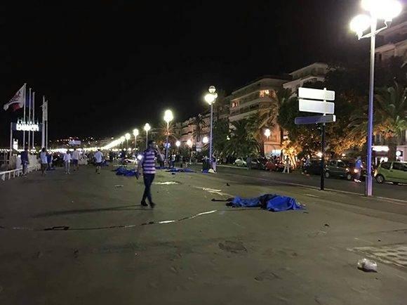 Atentado en Niza. Foto tomada de Twitter.