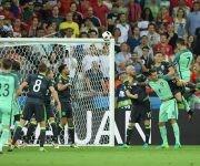 Cabezazo de Ronaldo que pone el primer gol en el marcador. Foto UEFA.com