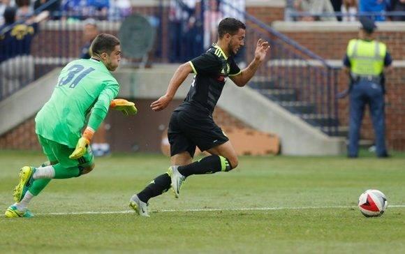 Hazard rescató el honor blue con un doblete en los últimos minutos. Foto: AFP/ Jay LaPrete.