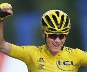Por tercera vez, el británico nacido en Kenia se alza con el torneo ciclístico más importante del mundo. Foto: AP/ Peter Dejong.