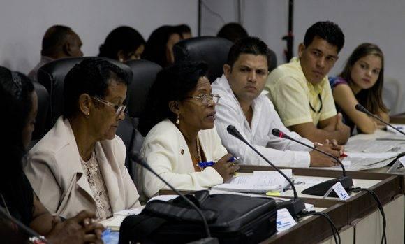 El trabajo comunitario y el alcance de AHS en la divulgación de nuestros símbolos, identidad cultural fue uno de los temas más debatido en la Comisión de Atención a la Niñez y la Igualdad de Derechos de la Mujer. Foto: Ladyrene Pérez/ Cubadebate.