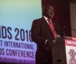 La conferencia fue inaugurada oficialmente por Cyril Ramaphosa, vicepresidente de Sudáfrica, Michel Sidibé, director ejecutivo de ONUSIDA, la actriz Charlize Theron, Mensajera de la Paz de las Naciones Unidas y el arzobispo Desmond Tutu, Oliva Shisana y Chris Beyrer, copresidentes de Sida 2016 y Nkhensani Mavasa de la Campaña de Acción de Tratamiento de Sudáfrica.