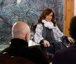 Cristina Fernández en entrevista colectiva con varios medios de comunicación. Foto: Instituto Patria.