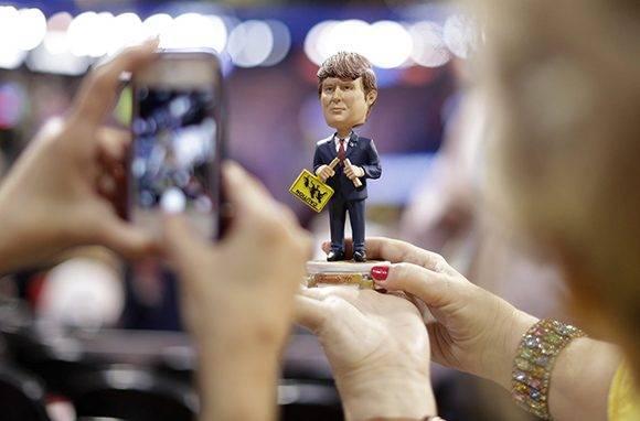 Contra todos los prónosticos y el razocinio humano, Donald Trump sigue ganando adeptos en el autodenominado país más desarrollado del mundo. Foto: AP.