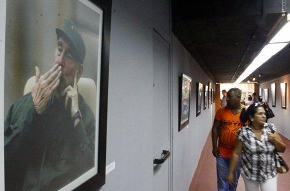 """La muesta de los fotorreporteros Livorio Noval e Ismael Francisco, """"Fidel, soldado de las ideas"""", inauguró la Feria Arte en la Rampa. Foto: José Raúl Concepción/ Cubadebate. Foto: José Raúl Concepción/ Cubadebate."""