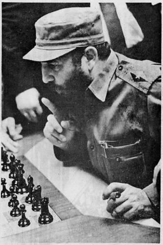 Fidel traza una estrategia.