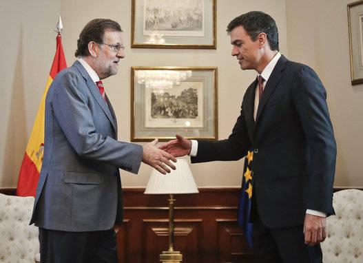 Pedro Sánchez no le tenderá la mano a Mariano Rajoy para la presidencia. Foto: EFE.
