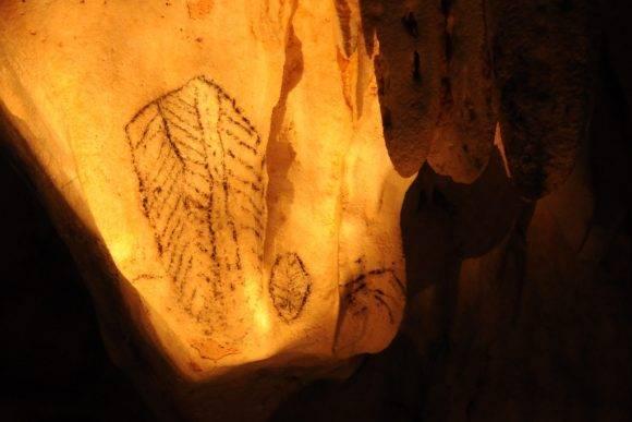 Pictografía aborigen en una de las cavernas del parque nacional Cayo Caguanes. Foto: Henry Delgado( espeleólogo matancero) / Cubadebate