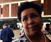 Pilar Heredia, diputada por Santiago de Cuba, comentó a Cubadebate sobre el trabajo en la Comisión de Asuntos Económicos. Foto: Cubadebate.