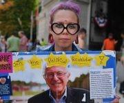Los simpatizantes de Bernie Sanders reclaman en las calles de Filadelfia. Foto: Jeff Mitchel/ AFP.