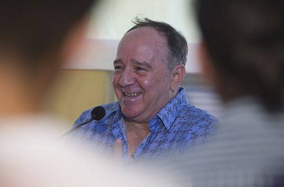 """Roberto Fabelo en el espacio """"Encuentro con"""". Foto: Ladyrene Pérez/ Cubadebate."""
