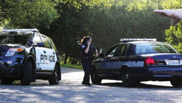 En la mañana de hoy las autoridades custodian la escena del crimen. Foto: AP.