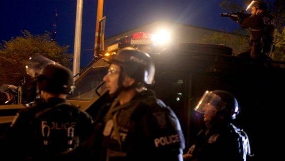 La incontrolable situación de las armas de fuego provoca constantes tiroteos y aumenta la violencia en EE.UU. Foto: Reuters.