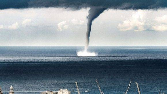 Tromba marina en Italia. Foto tomada de YouTube.