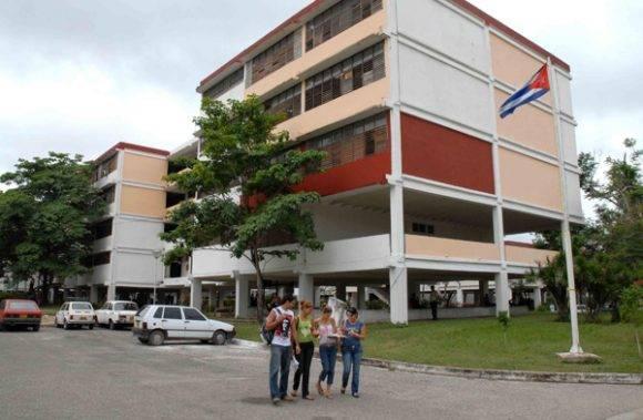 La Universidad de Camagüey recibió el Primer Premio del Certamen de Proyectos Libres de la Universidad de Granada