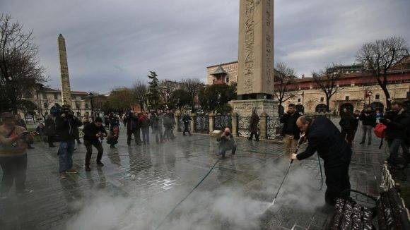 Imagen posterior al atentado en Estambul. Foto tomada de La Vanguardia.