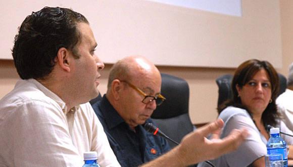 Durante la presentación del informe sobre el estado del sistema nacional de bibliotecas públicas, como parte de la Comisión de Educación, Cultura, Ciencia, Tecnología y Medio Ambiente de la Asamblea Nacional Foto: Agustín Borrego Torres/ Cubadebate.