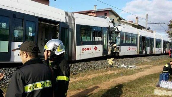 Choque de trenes en una localidad del sur de Italia. Foto tomada de holaciudad.com