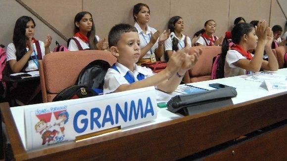 """Los pequeños gigantes defendieron sus criterios desde su """"altura"""". Foto: Anabel Díaz Mena."""